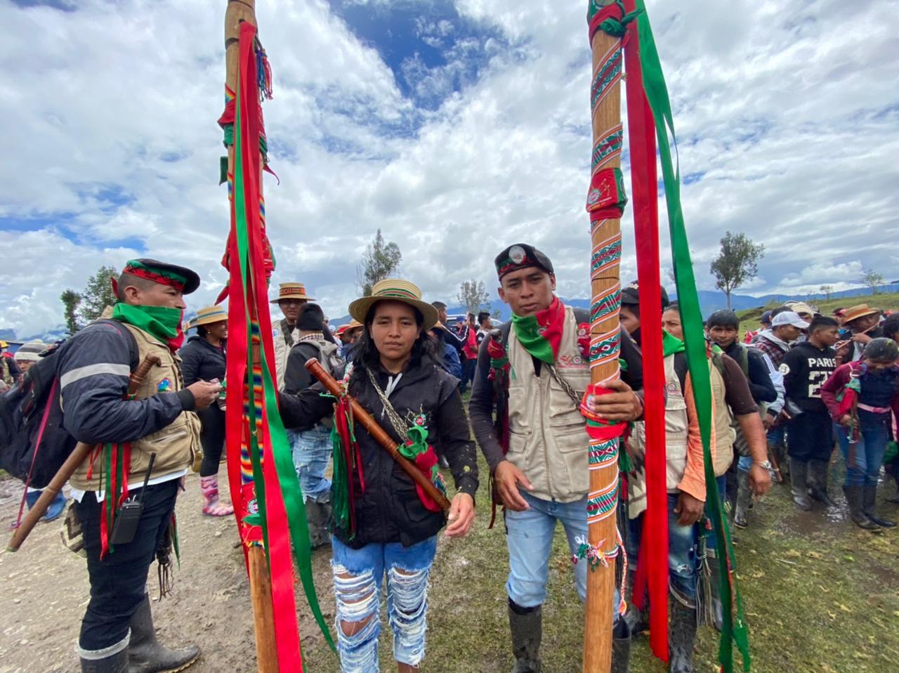 Autoridades de Tierradentro caminando la palabra desde el principio del movimiento indígena del Cauca.