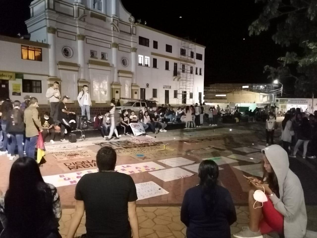 PLANTÓN EN LA CABECERA MUNICIPAL DE PÁEZ BELALCÁZAR