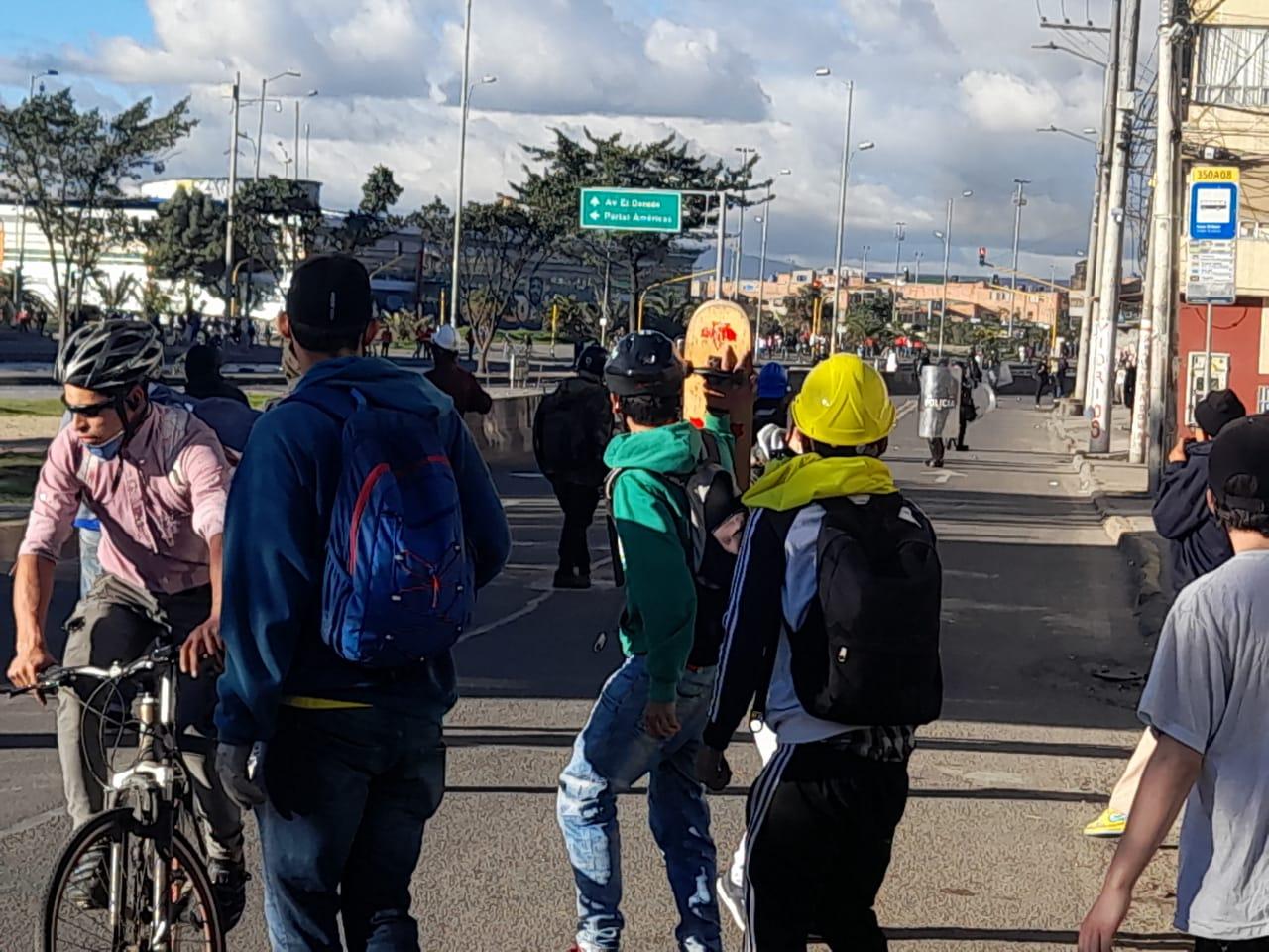 En Bogotá la fuerza pública arremete contra los manifestantes indígenas