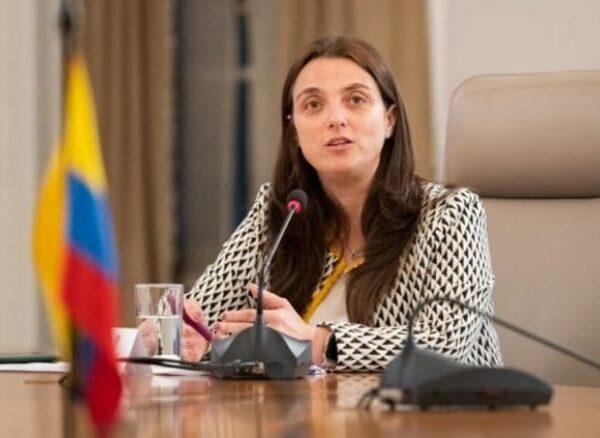 ¡Atención! La ministra de comunicaciones Karen Abudinen no será más ministra de las TIC